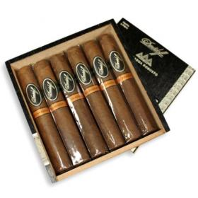 Davidoff Nicaraguan Experience Robusto Cello Cigar - Box of 12