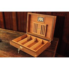 Parsons Walnut Humidor with Dovetail Joints - 60 Cigars