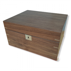 Apsley Walnut Humidor (Second) - 70 Cigars